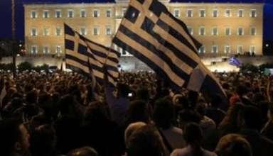 aganaktismenoi-syntagma-empros
