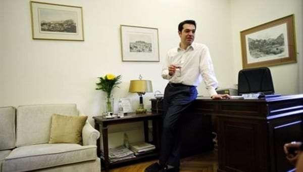 tsipras_grafeio-empros