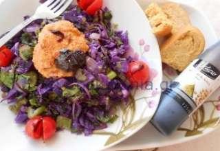 kokkinolaxano salata